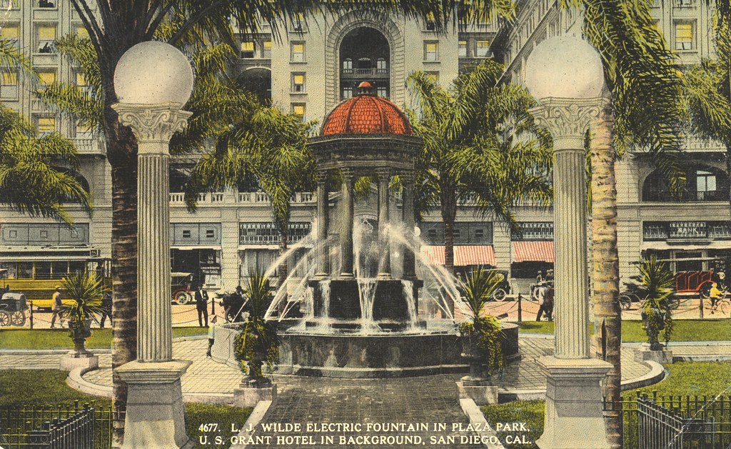 L.J. Wilde Electric Fountain in Plaza Park - San Diego, California