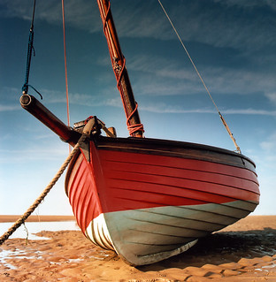 Red Sailing Boat | by jazz_dalek