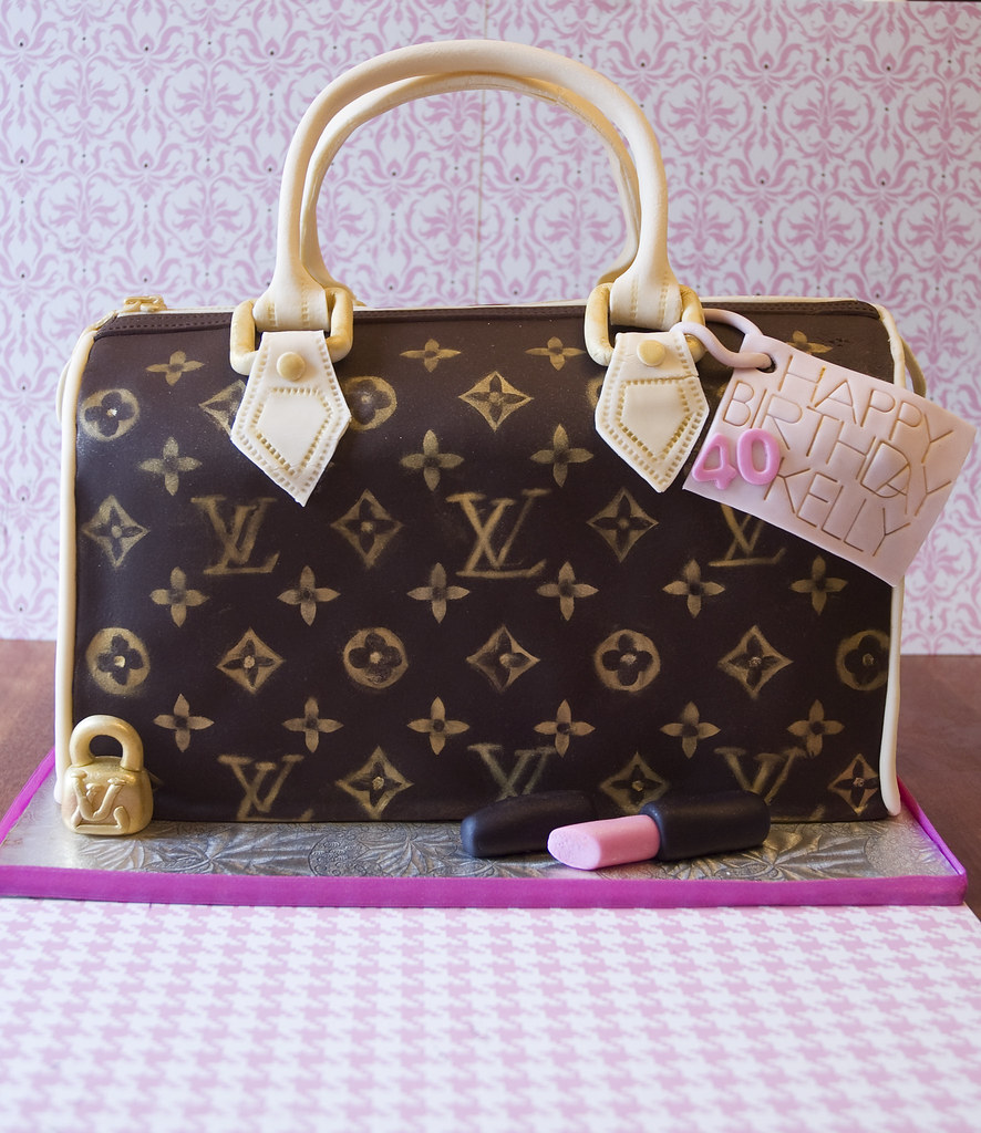Lv Bag This Cake Was Actual Size To Feed 50 Gumpaste Han Flickr