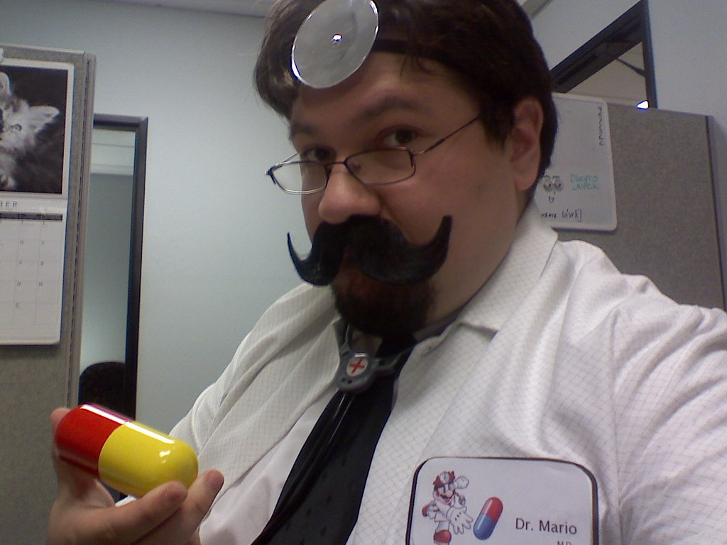 dr mario my costume for halloween 2008 dr mario comple flickr