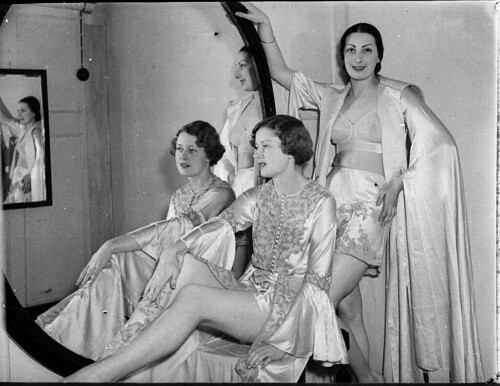 Grace Bros mannequin parade, Sydney, November 1936 / Sam Hood | by State Library of New South Wales collection