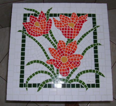 mesa flores   Mesa com tampo quadrado, em mdf, 40 x 40cm, ex…   Flickr
