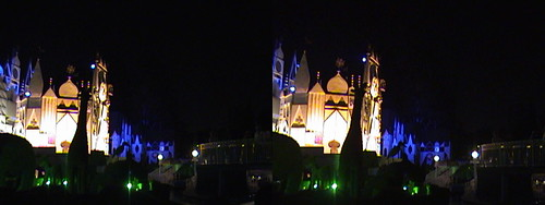 "3D, ""it's a small world"" facade, Fantasyland, Disneyland®, Anaheim, California, night, Color Slow Shutter, 2009.04.18 21:04 