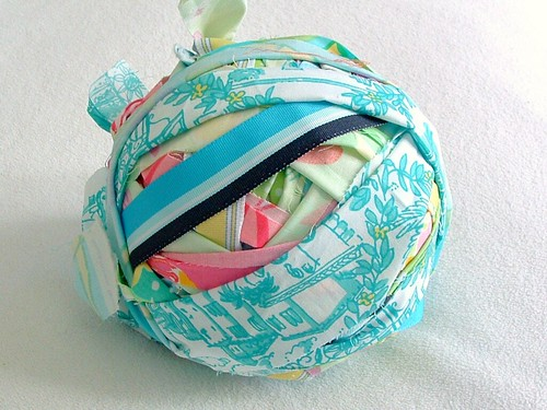 heatherknitz, heather, knitz, fabric, yarn, ball, strips, knitting , crochet, rag bag, rag rugs | by heatherknitz