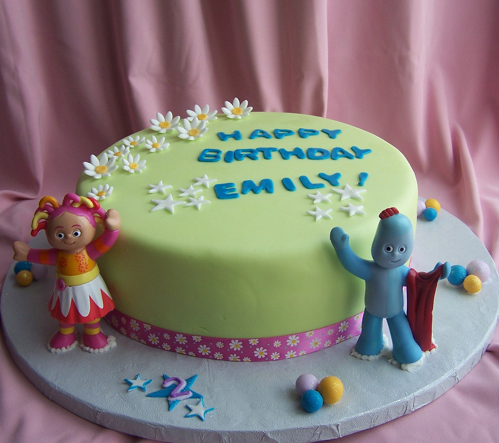 In the Night Garden Cake | Cake is covered in fondant. Iggle… | Flickr