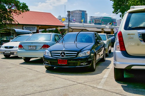 Mercedes C-Class parking near Maharaj Pier in Bangkok | by UweBKK (α 77 on )