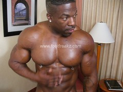 will deep throat workout in the gym dont like pretenders