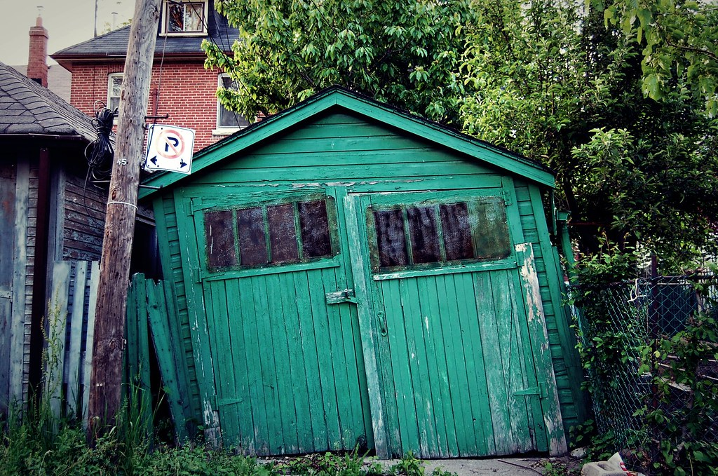 the leaning shed of wychwood lisa de jong flickr
