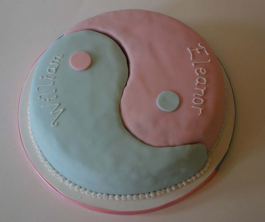 Yin Yang Cake Yin Yang Christening cake for boygirl twin Flickr