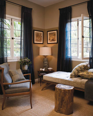 Ideas for small spaces using 2 paint shades hanging cur - Curtains for small spaces ...