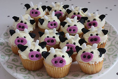 cow cupcakes | by *ilovemuffins*