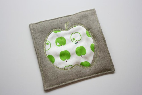 Apple Hot Pad | by The Sometimes Crafter