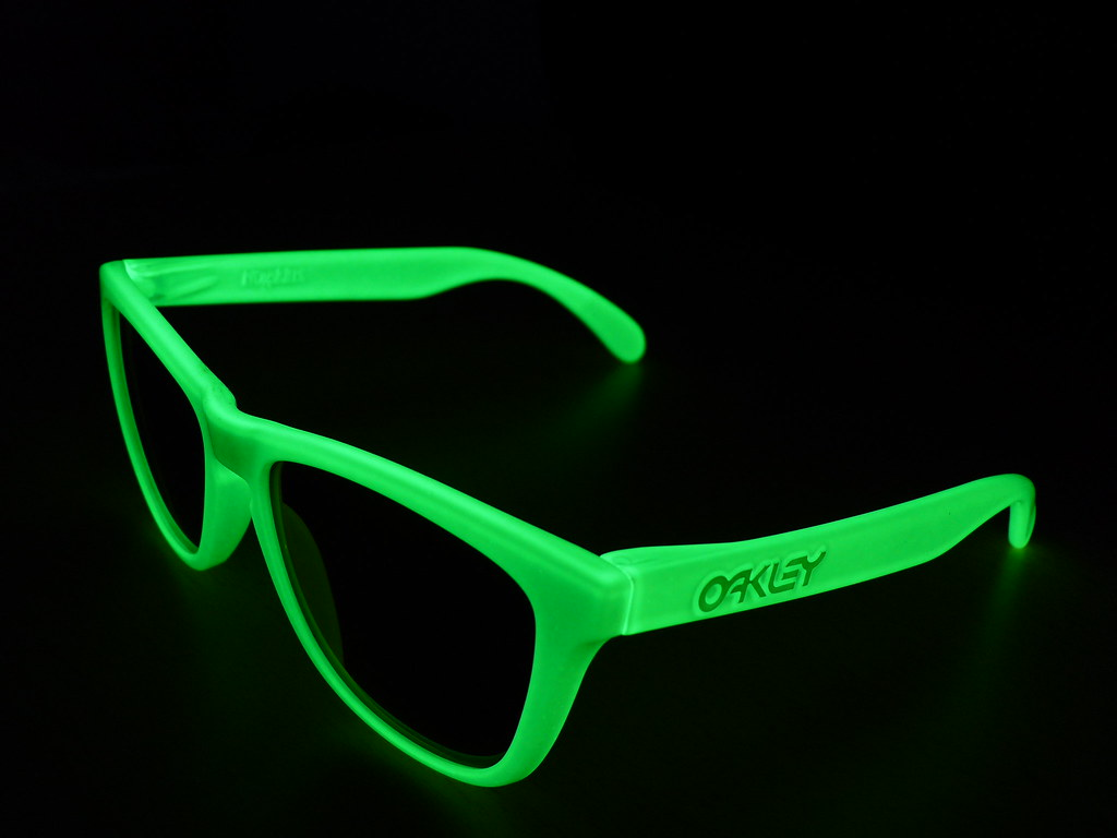 oakley frogskins glow in the dark