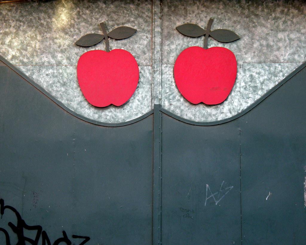 Apple Door | By NinjaL Apple Door | By NinjaL