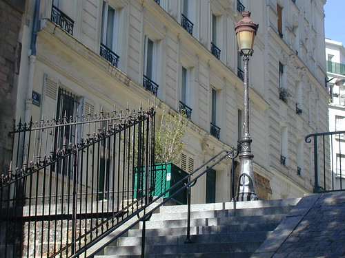 les escaliers de la butte voici une des vues que je pr 233 f 232 r flickr