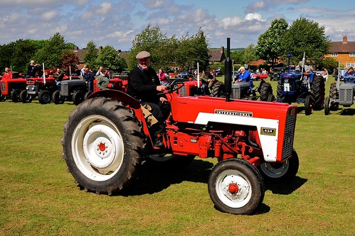 Tractor And Car Show : Great whelnetham classic tractor and car show mc cormick