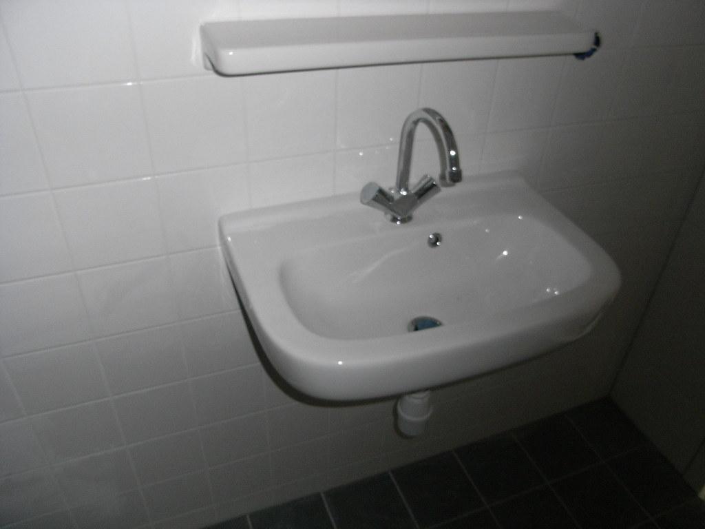 Van Boven Badkamers : Nis boven het bad praktisch amp decoratief badkamer fotospecial
