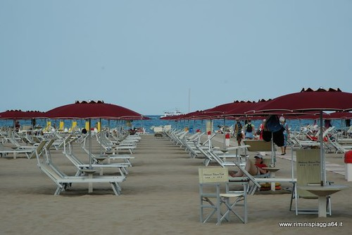 Spiaggia rimini 64 foto del bagno dario 64 di rimini la s flickr - Bagno 30 rimini ...