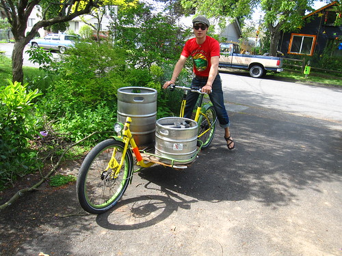 Brew kettle and fermentor transport | by METROFIETS