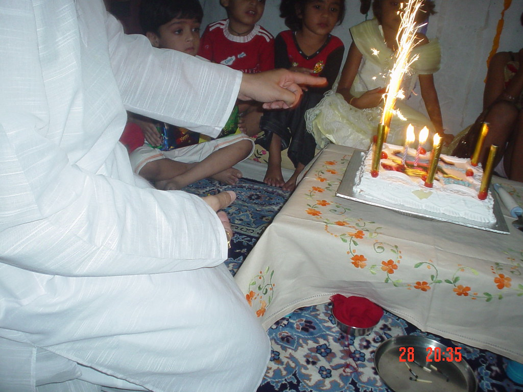 Big Birthday Cake Sparklers Indoor