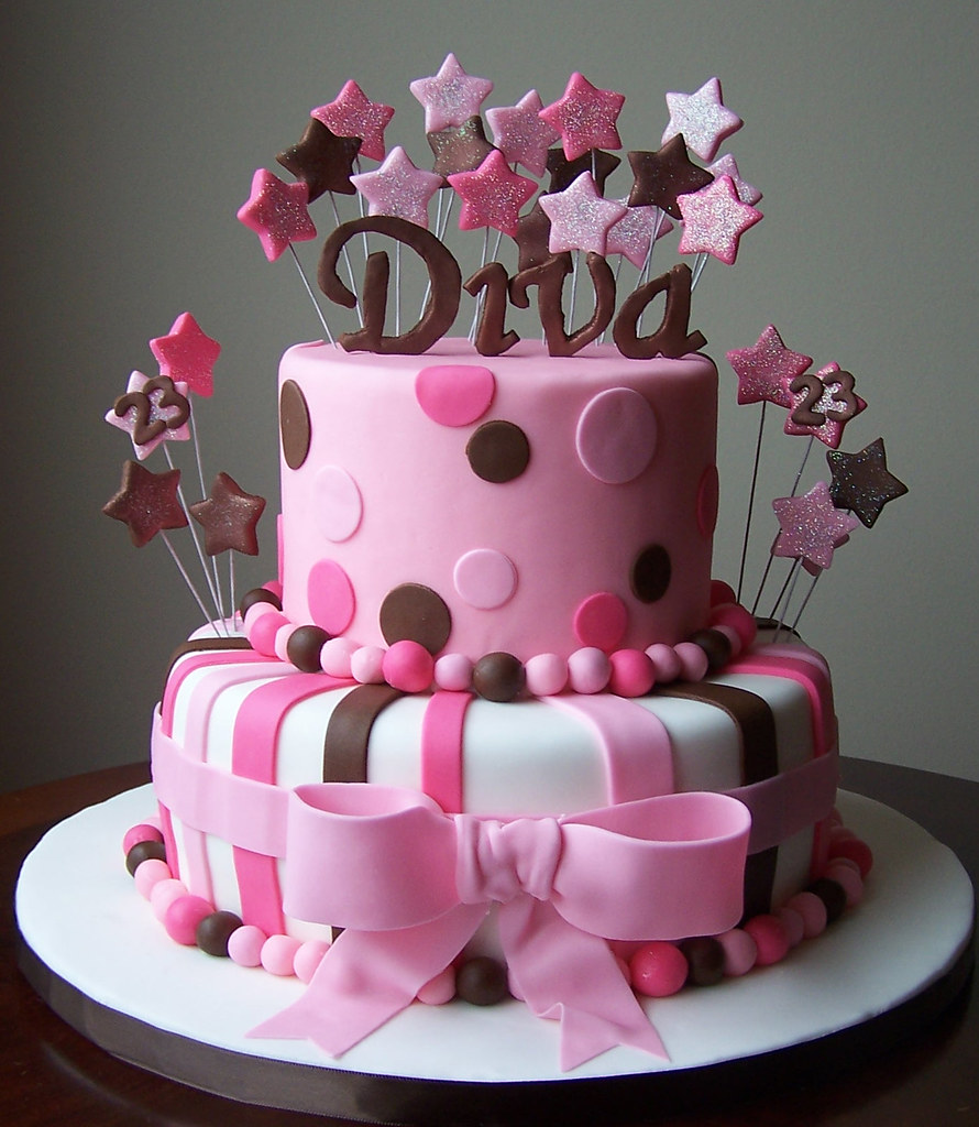 Diva Cake 10 And 6 Cakes 10 Was A Vanilla Cake With Va Flickr