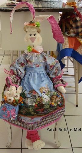 Coelha confeccionada para a vitrine de Páscoa da Loja JB C u2026 Flickr -> Decoração De Pascoa Para Vitrine De Loja