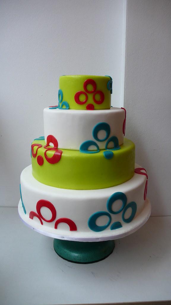 Retro Wedding Cake