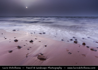 Kuwait - Shuwaikh Beach - Colorless Sunset during Dust Storm | by © Lucie Debelkova / www.luciedebelkova.com