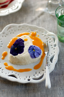Vanilla Mascarpone Coeur à la Crème with Edible Flowers and Mango Sauces | by L' Atelier Vi