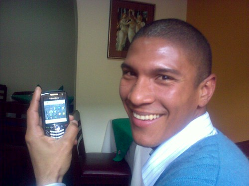 Obama and his BlackBerry | by Vacacion