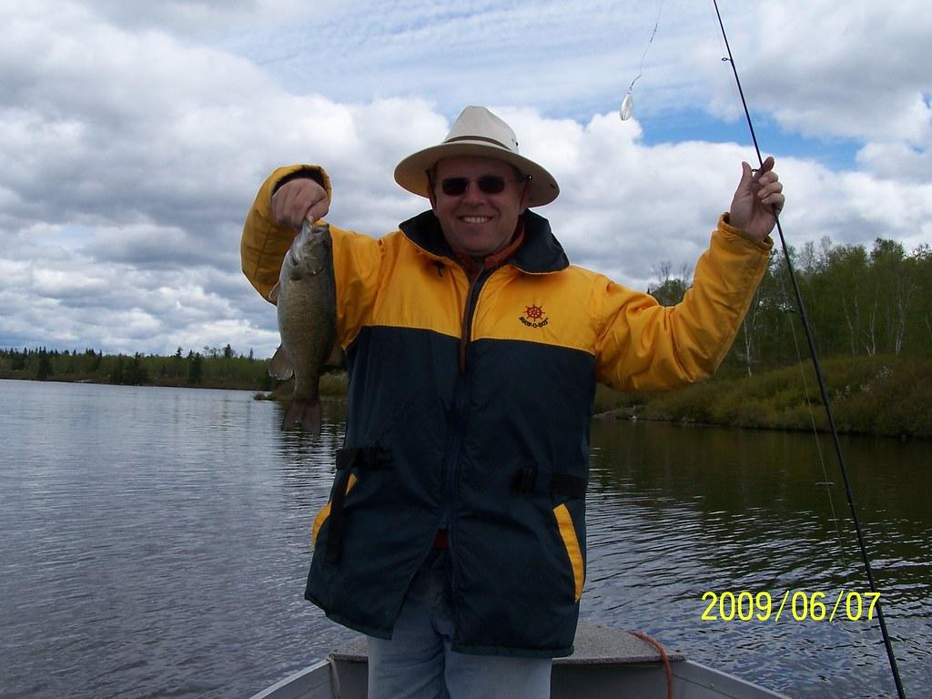 Fishing on the winnipeg river june 39 09 flickr for Lake winnipeg fishing report