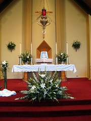 decorating a wedding arrangement church altar white 4 flickr 3356
