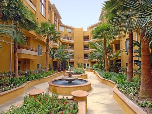 ... LA Hollywood CA The Palazzo At Park La Brea Apartments East   Community