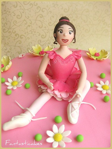 Torta Ballerina tra i fiori / Ballerina and Flowers Cake | by Fantasticakes (Cécile)