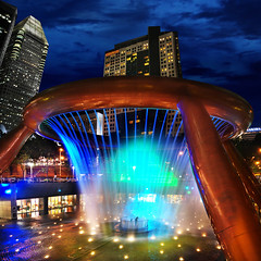 Luck is Near at The Fountain of Wealth, Suntec City – Singapore | by williamcho