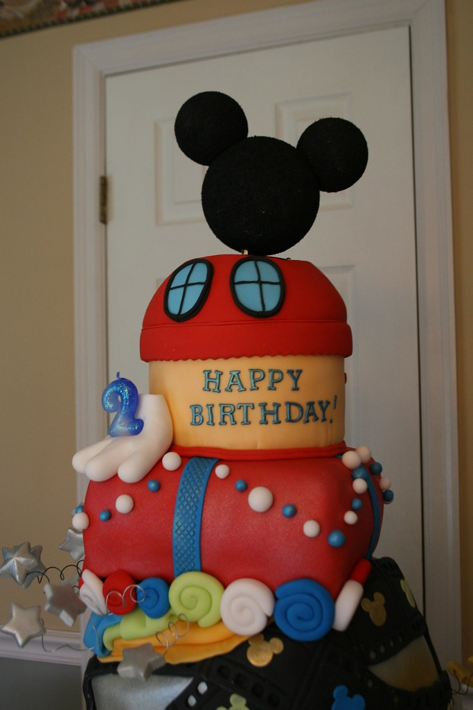 Mickey Mouse Fondant Birthday Cake For My Boy The Mickey H Flickr