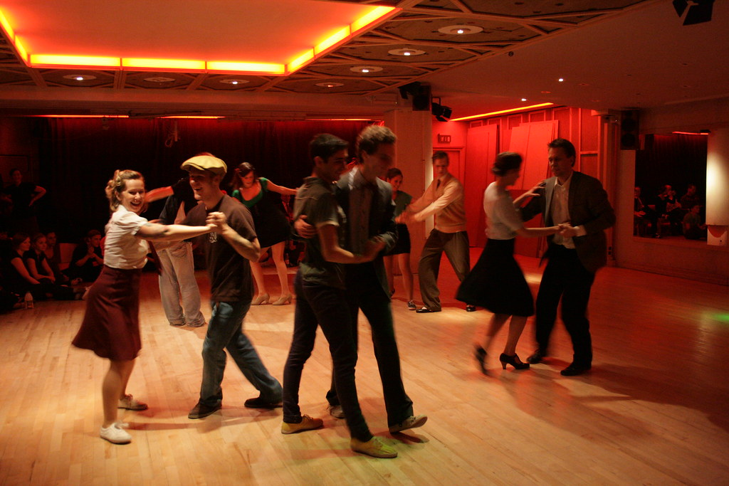 swing dancing in chicago