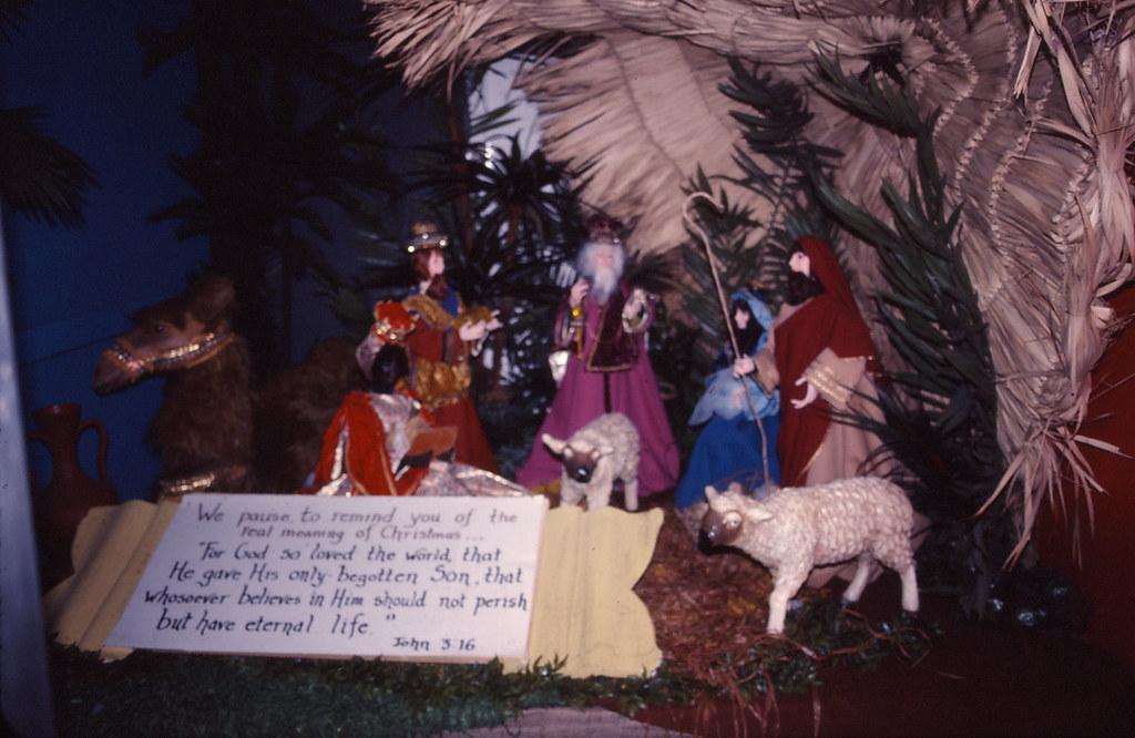 Fountains of Wayne Christmas Display - 1977-12-20 - 27 | Flickr