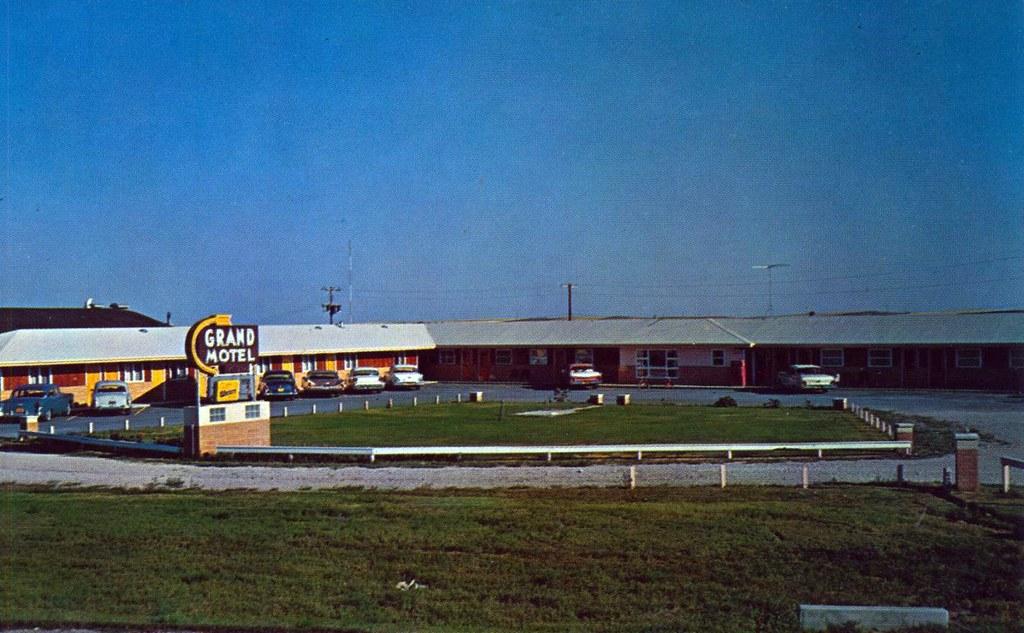 Grand Motel - Chadron, Nebraska