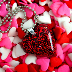 red glitter heart resin necklace... pretty as Dorothy's ruby slippers | by isewcute