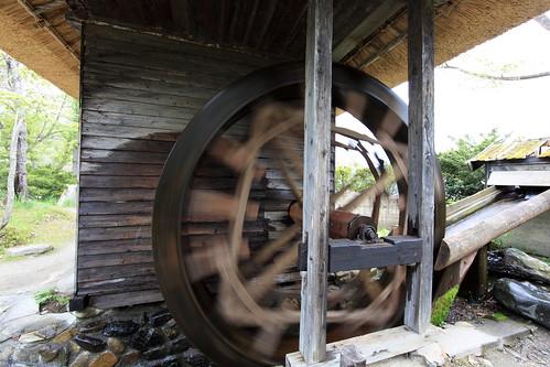 Water wheels / 水車(すいしゃ)