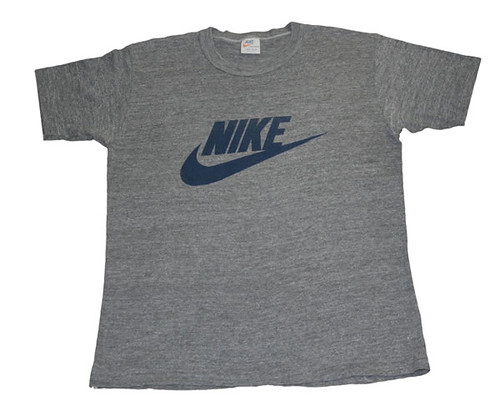 nike grey vintage t shirt a grey vintage t shirt with a bl. Black Bedroom Furniture Sets. Home Design Ideas