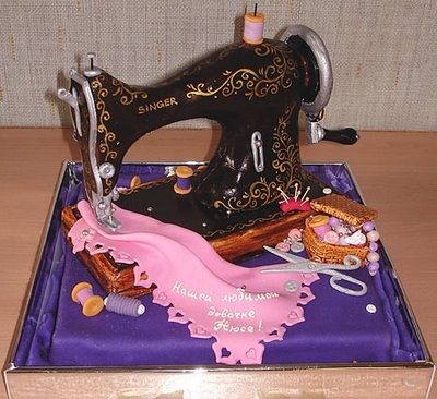 traditional singer sewing machine cake | by allmyfavouritethings