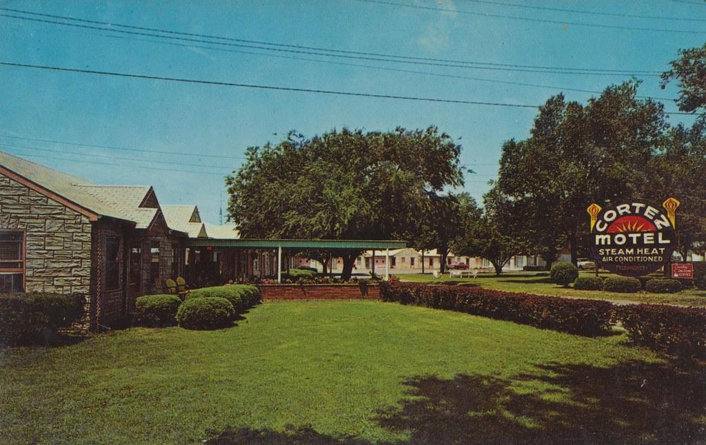 Cortez Motel - Harrisonville, Missouri