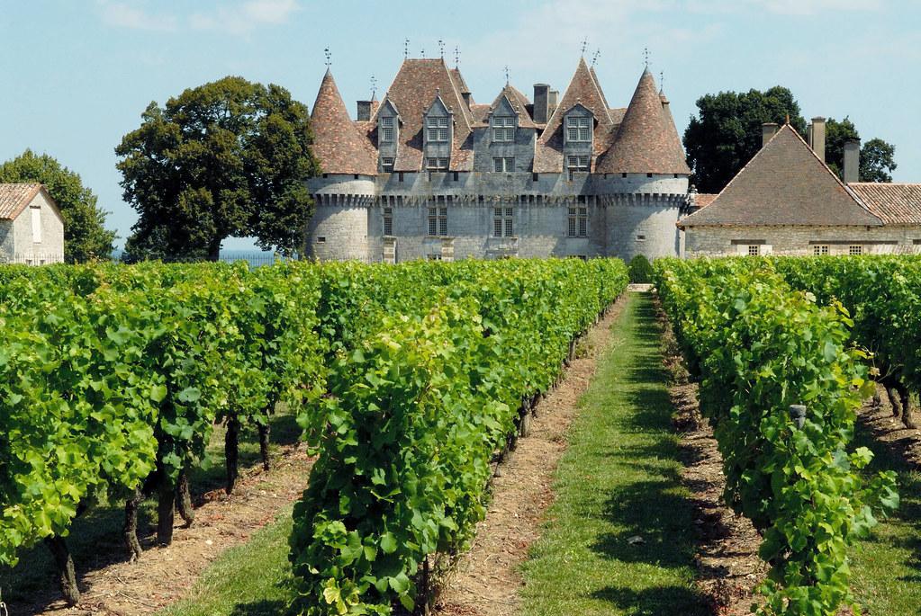 le chteau de monbazillac et ses vignes bergerac aquitaine by tourisme en aquitaine - Chateau De Monbazillac Mariage