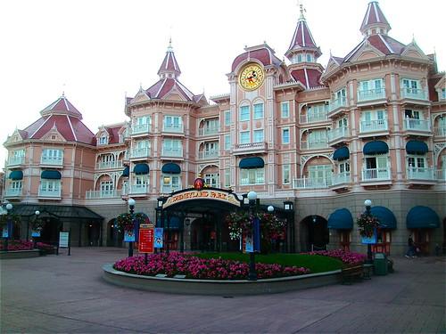 Disneyland Paris Hotel Cheyenne Room Only
