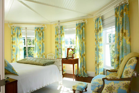 Benjamin Moore Hawthorne Yellow Yellow Blue Tower Bed