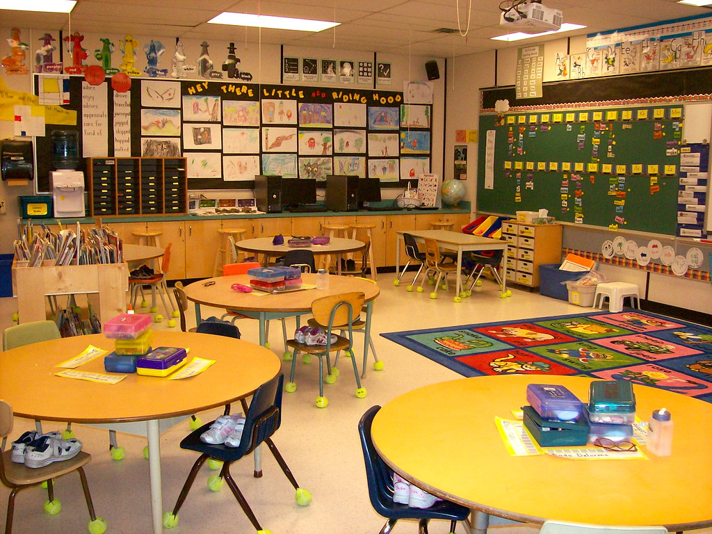 Round Table S Round Tables In Our Classroom Kathy Cassidy Flickr