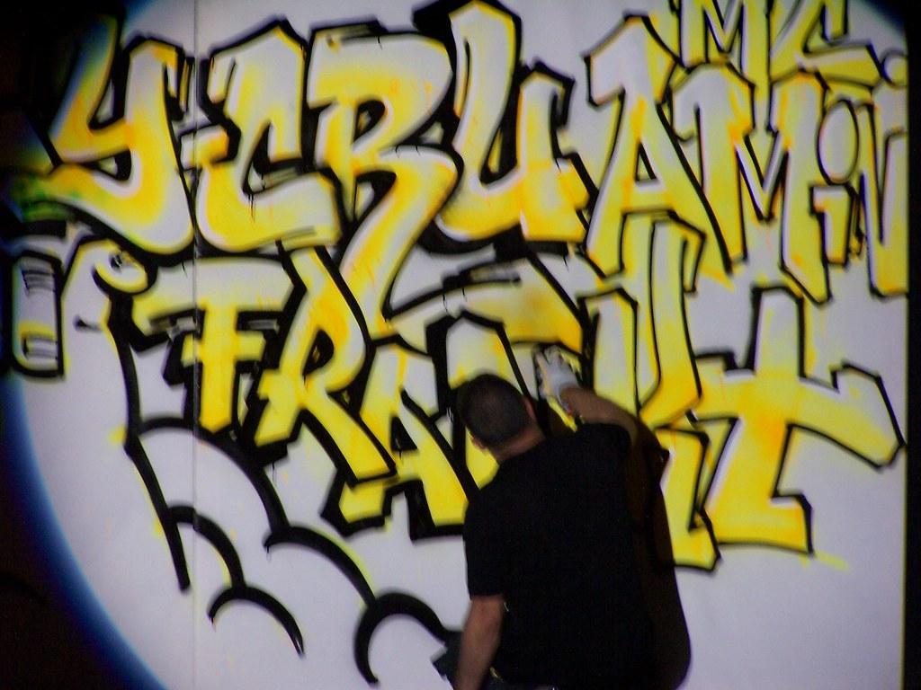 Live Taggings Graffiti Of Zeta By Yahya Mekkawi