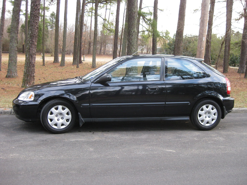 ... 2000 Honda Civic DX Hatchback | By RubyJi